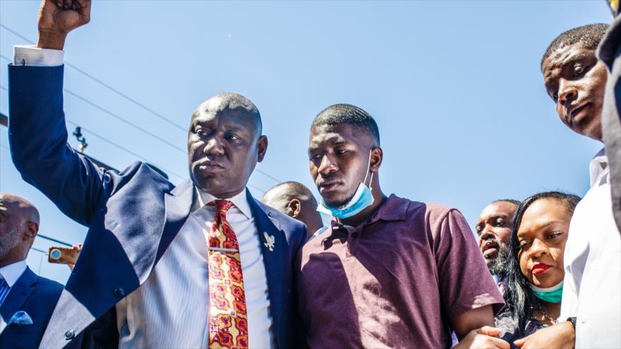Abogado: Lo que mató a Floyd fue la pandemia de racismo y discriminación