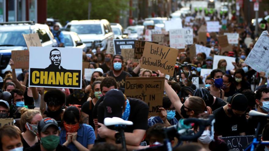 """Preludio de colapso"": Así ve exanalista de CIA protestas antirracistas"
