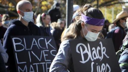Miles de australianos protestan contra la discriminación racial