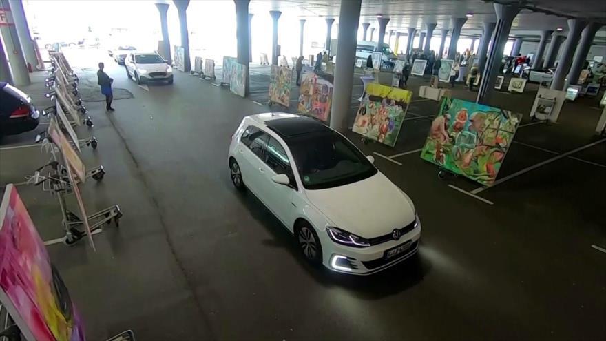 Para prevenir la COVID-19, Alemania celebra galería de autoservicio