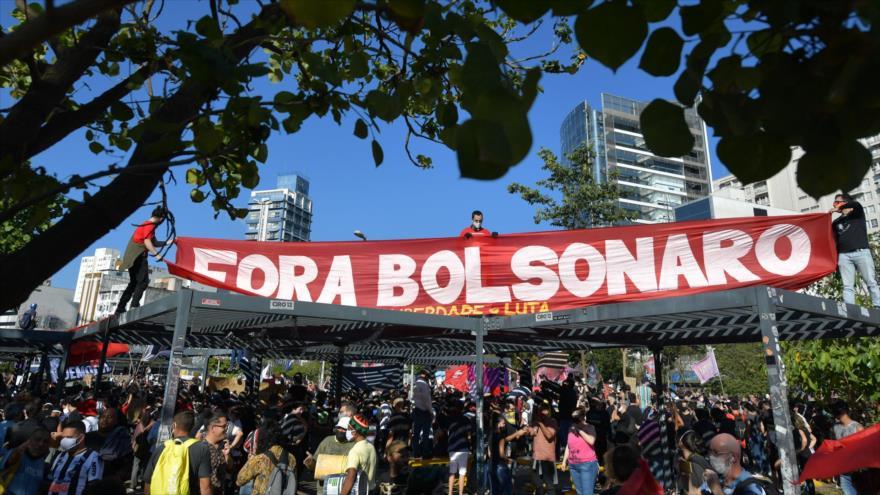 Protestan en Brasil contra Bolsonaro, el fascismo y el racismo | HISPANTV
