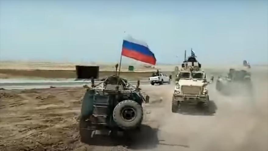 Vídeo: Fuerzas de EEUU no pueden detener a tropas rusas en Siria