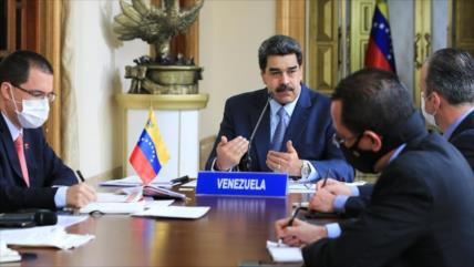 """Maduro urge a ALBA a integración ante """"persecución"""" de Trump"""