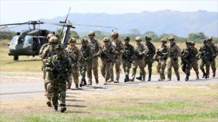 Senadores denuncian injerencismo de tropas de EEUU en Colombia
