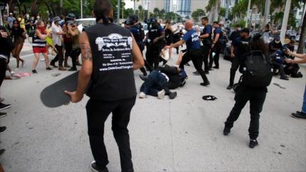 Choques entre manifestantes y Policía de Miami