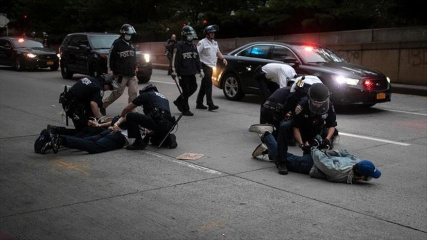 Al menos 400 ataques a libertad de prensa durante protestas en EEUU | HISPANTV