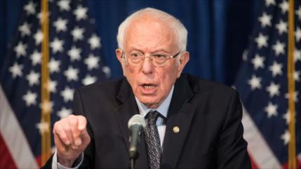 Sanders: Trump es racista e incita a la violencia en EEUU