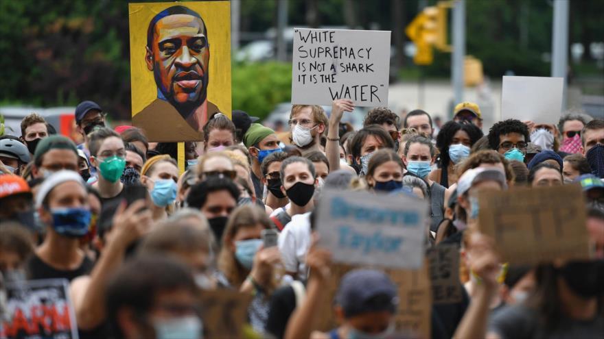 Informe: Racismo está institucionalizado en la política de EEUU | HISPANTV