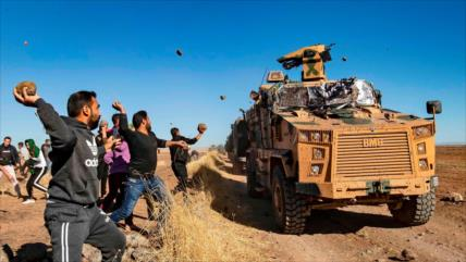Fuerzas turcas agreden y secuestran a civiles sirios en Al-Hasaka