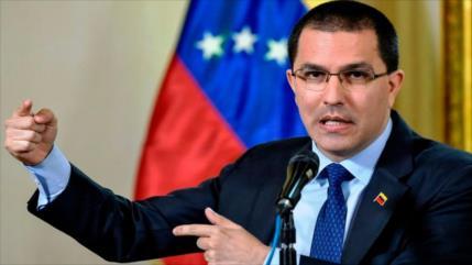 "Venezuela repudia injerencias de la ""plutocracia podrida"" de EEEU"