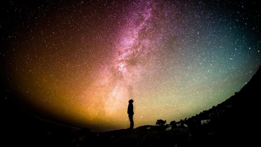 Científicos estiman que podríamos estar compartiendo la galaxia con más de 30 civilizaciones inteligentes.