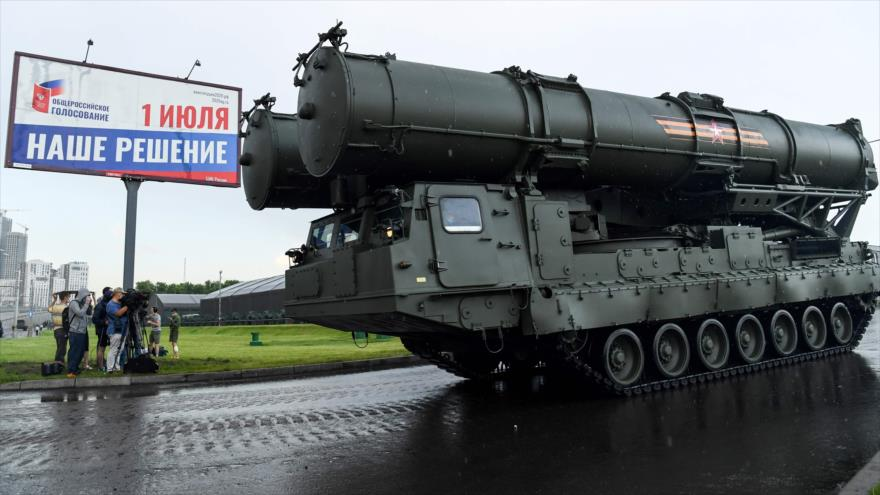 Tanques y blindados rusos ensayan desfile del Día de la Victoria | HISPANTV