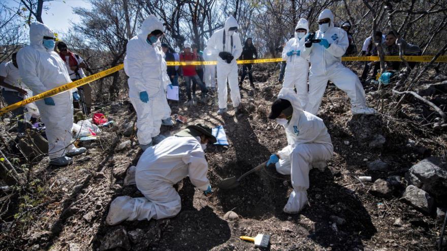 Hallan 215 cuerpos en fosas clandestinas en Guadalajara de México | HISPANTV
