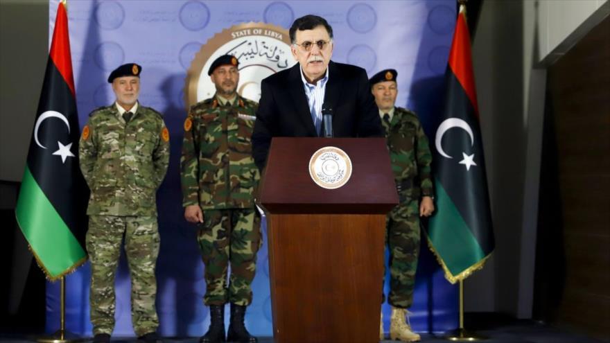 El presidente del Gobierno de Acuerdo Nacional (GAN) de Libia, Fayez al-Sarraj, en una rueda de prensa.