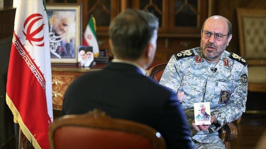 El general de brigada Hosein Dehqan, asesor del Líder de la Revolución Islámica de Irán.