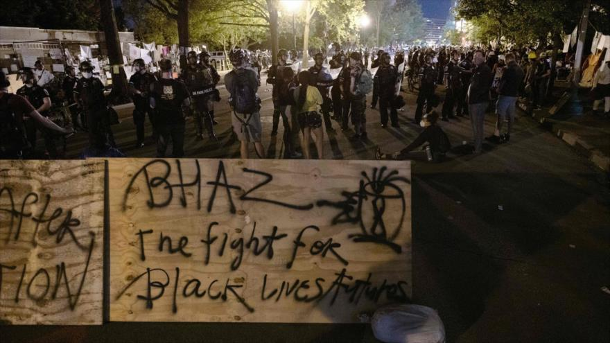 "Indignados crean ""Casa Negra"" autónoma cerca de la Casa Blanca | HISPANTV"