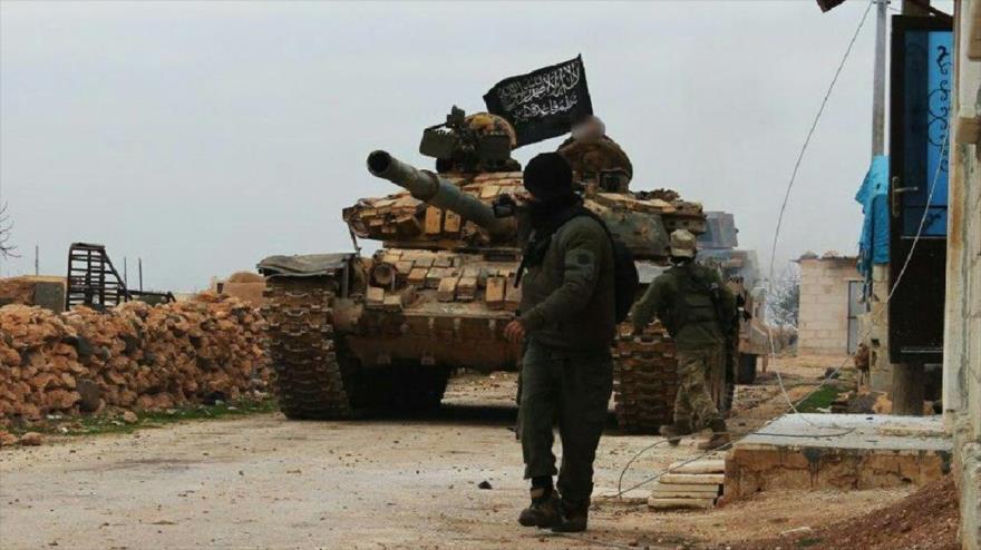 Terroristas de Frente Al-Nusra (autodenominado Frente Fath Al-Sham) en la provincia siria de Idlib.
