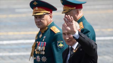 Putin lidera desfile de Victoria y pide sistema de seguridad global