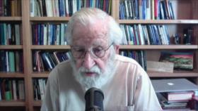 """Chomsky tacha a Donald Trump del """"peor criminal"""" de la historia"""