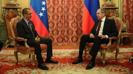 Arreaza asiste a desfile en Moscú y agradece apoyo ruso a Venezuela