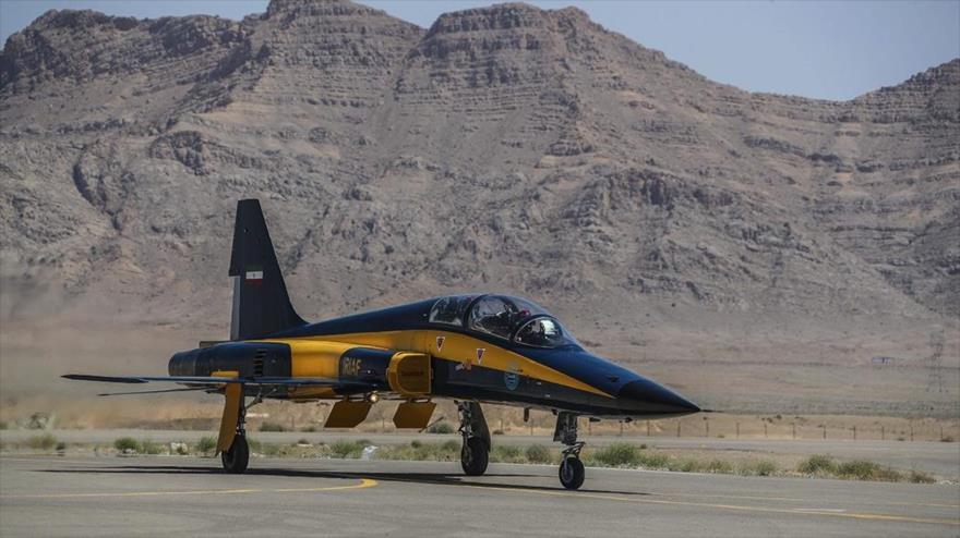 Nuevo avion de combate Kosar, de fabricación nacional, entregado a la Fuerza Aérea del Ejército iraní, 25 de junio de 2020. (Foto: Fars)