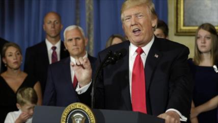 En plena pandemia, Trump pide que Corte Suprema anule 'Obamacare'