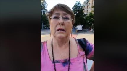 Encaran a Bachelet en la calle por la situación de presos mapuches