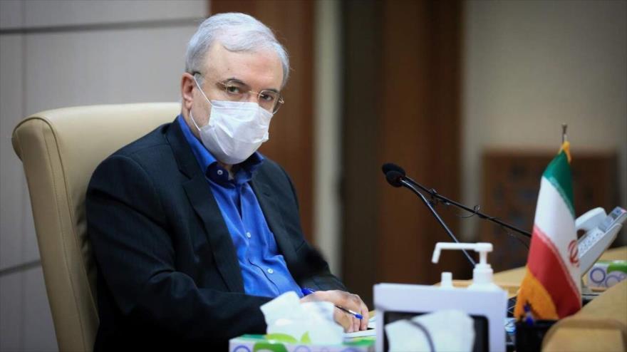 El ministro de Salud de Irán, Said Namaki, en una reúnión del Gabinete iraní, en Teherán, la capital del país.