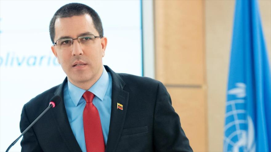 El canciller de Venezuela, Jorge Arreaza, ofrece discurso en un acto en Ginebra (Suiza), 27 de febrero de 2019. (Foto: Reuters)
