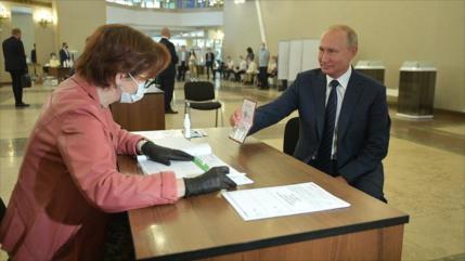 73% de los rusos apoya la reforma para que Putin siga en el poder