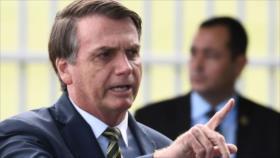 """Senado aprueba ley contra """"fake news"""" que irrita a los Bolsonaro"""