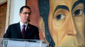 Arreaza pide a Pompeo no intervenir en asuntos de Venezuela y UE