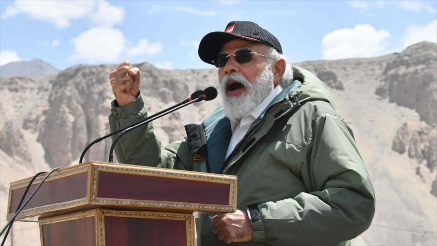 El premier indio, Narendra Modi, ofrece un discurso en la región de Ladakh, fronteriza con China, 3 de julio de 2020. (Foto: AFP)
