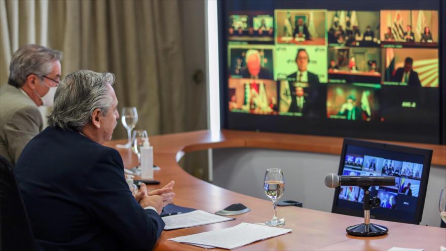 El presidenete argentino, Alberto Fernández, en la reunión virtual de los países de Mercosur, Buenos Aires (capital), 2 de julio de 2020. (Foto: AFP)