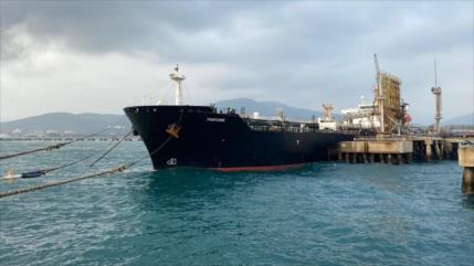 """Irán advierte a EEUU de no cometer """"piratería"""" contra sus buques"""