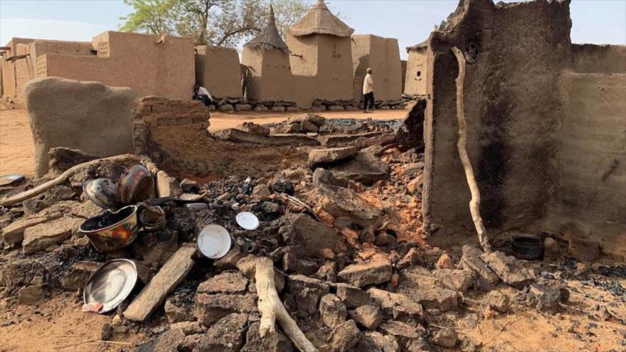 Una vista general de un ataque de hombres armados en la aldea Dogon de Sobane Da en Malí, 11 de junio de 2019. (Foto: Reuters)