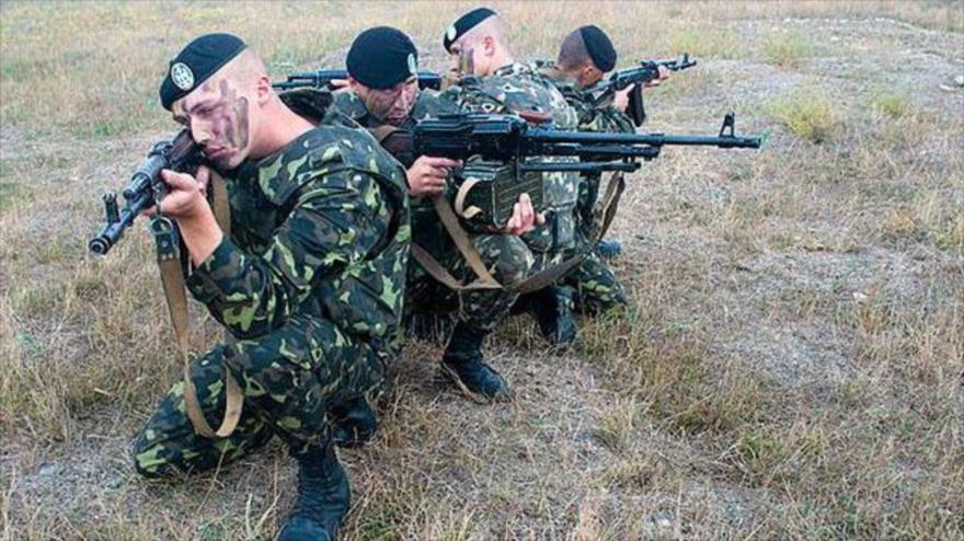 Fuerzas de Infantería de Marina de Ucrania durante una maniobra militar.