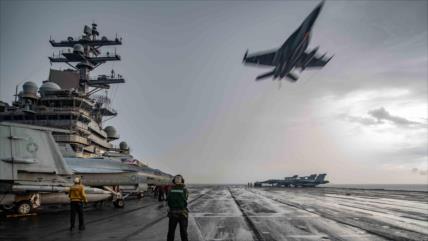 """China ve """"motivos ocultos"""" detrás del envío de portaviones de EEUU"""