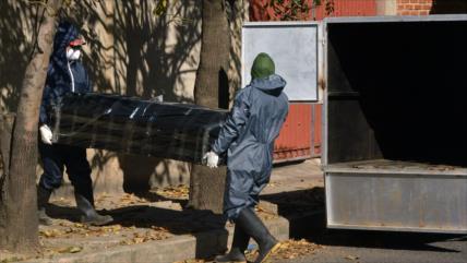 Ataúdes en calles en Bolivia evidencia colapso ante COVID-19