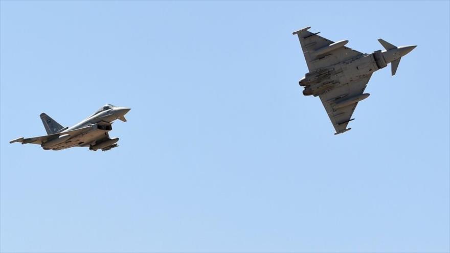 Cazabombarderos Typhoon de la Real Fuerza Aérea saudí durante unas maniobras.