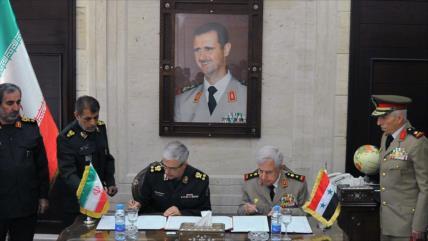 Irán promete fortalecer los sistemas de defensa aérea de Siria