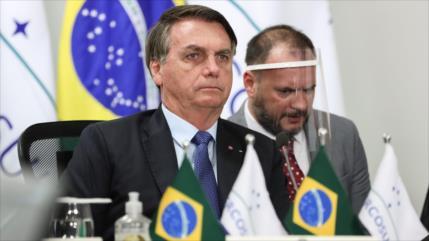 Bolsonaro veta planes para ofrecer apoyo a indígenas por COVID-19