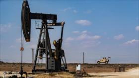 EEUU sigue robando crudo sirio; envía 35 camiones cisterna a Irak