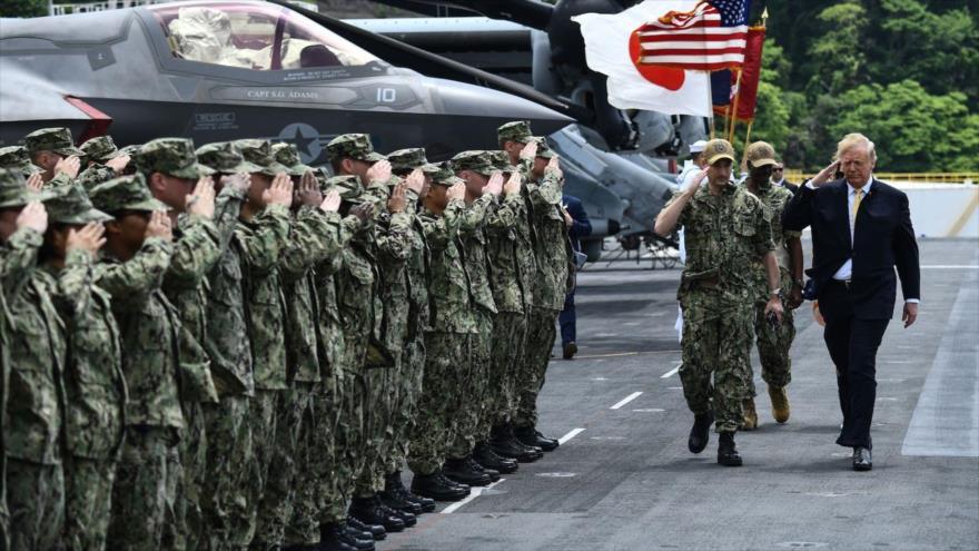 El presidente de EE.UU., Donald Trump, llega a la base naval de Yokosuka, en Japón, 28 de mayo de 2019.