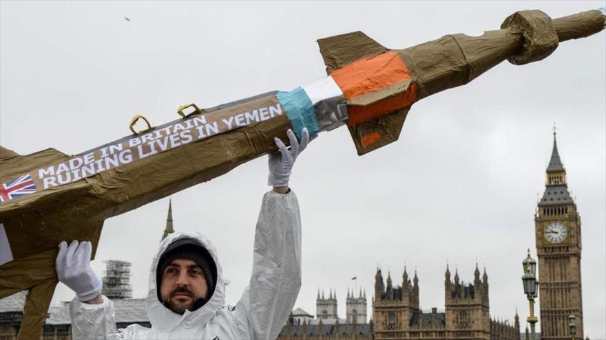 ONG critica a Londres por reanudar venta de armas a Arabia Saudí | HISPANTV