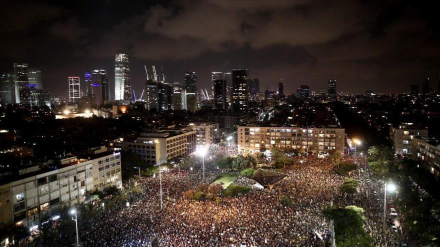 Miles de israelíes rechazan gestión de Netanyahu ante COVID-19 | HISPANTV