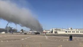 Explosión deja entre llamas a portaviones de EEUU en San Diego