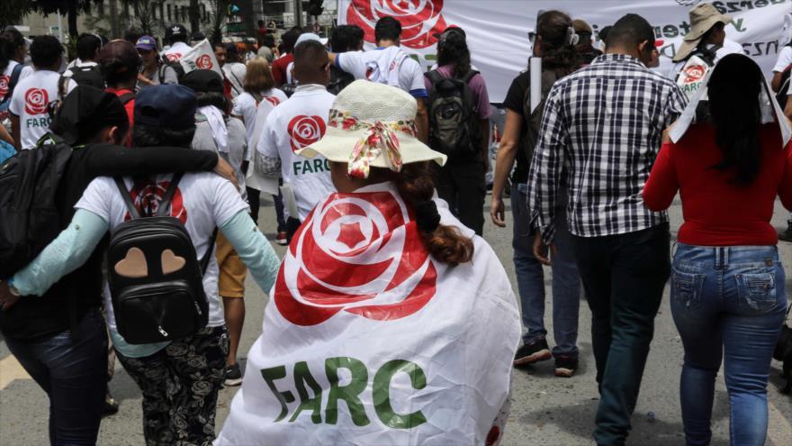 Miembros del partido FARC de Colombia durante una protesta.