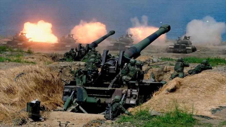 Los tanques taiwaneses y la artillería autopropulsada participan en los ejercicios anuales Han Kuang 2019.