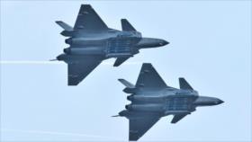 China inicia producción en masa de su avión furtivo J-20B
